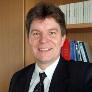 Professor Thorsten Schäfer, Studiendekan der medizinischen Fakultät an der Ruhr-Uni Bochum, sieht keine Probleme bei der Ausbildung seiner Studenten. Foto: RUB