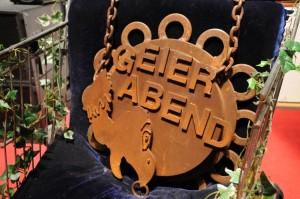 """Der Anti-Orden des Geierabends: Der """"Pannekopp"""" wiegt 28,5 kg. Foto: C. Brade"""