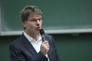 """Prof. Henrik Müller: """"Wenn der Euro scheitert, sind wir schuld."""""""