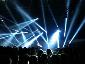 Alle Lampen an: Scooter setzt auf eine ausgeklügelte Bühnenshow. Foto: Markus Bergmann