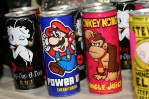 In solchen bunten Doesen werden die Energy-Drinks meistens verkauft. Foto: flickr.com