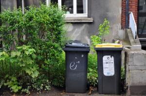 Jährlich werden unzählige Tonnen an Müll verbraucht. Mit ein bisschen Bewusstsein können wir Kosumenten diesen reduzieren. Foto: Nora Wanzke