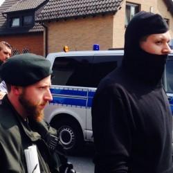 Maskierter Nazi bei Demo Dortmund