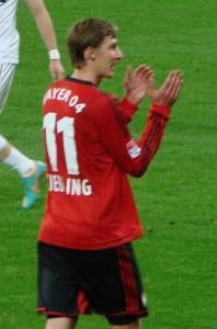 Nach dem Phantomtor gab es erst einmal wenig Applaus für Leverkusens Stefan Kießling. Foto: Kape04 / Wikimedia Commons