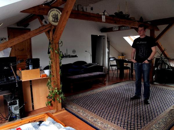 Alexander Bönn nennt eine ganze Etage sein eigen. Fotos: Annabell Brockhues