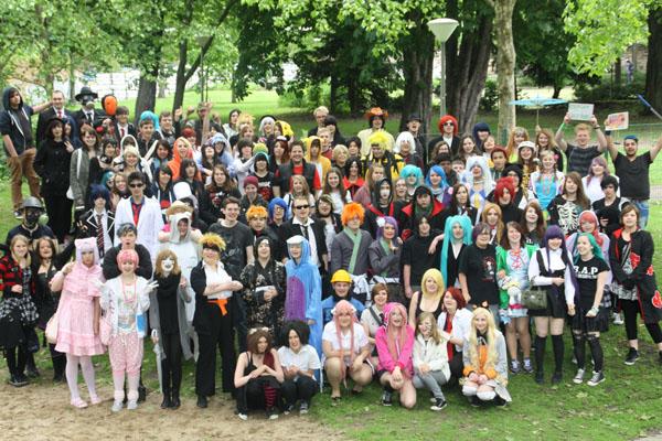 Schrill, bunt, japanisch: Die Teilnehmer der Cosplay-Convention in Dortmund. Foto: Miriam Wendland.