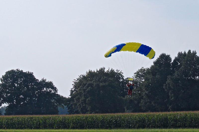 Falschirm-Landung