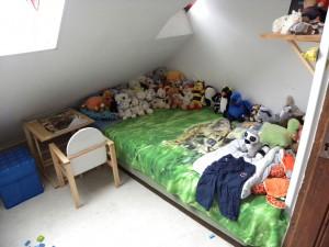 Kuscheltiere im Bett können auch zum Spielverderber werden. Foto: flickr.com/sarahamina