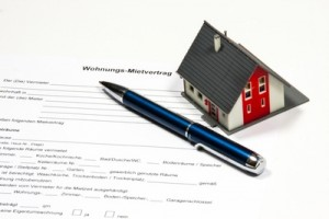 Beim Ummelden muss der Mietvertrag ab 2015 vorgezeigt werden. Foto: Thorben Wengert/pixelio.de