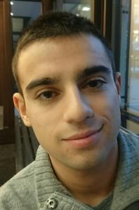 Anton Borissov, 19 will im neuen Jahr sein Deutsch und seine Aussprache verbessern