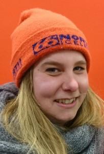 Julia Hülsken, 25 hat sich vorgenommen, endlich die Umzugskartons auszupacken