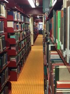 Auch hier in der Zentralbibliothek werden bald die Bestände der Naturwissenschaften stehen. Foto: Annabell Bialas