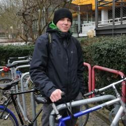 Jochen (25)  fährt vor allem des Sportfaktors wegen.