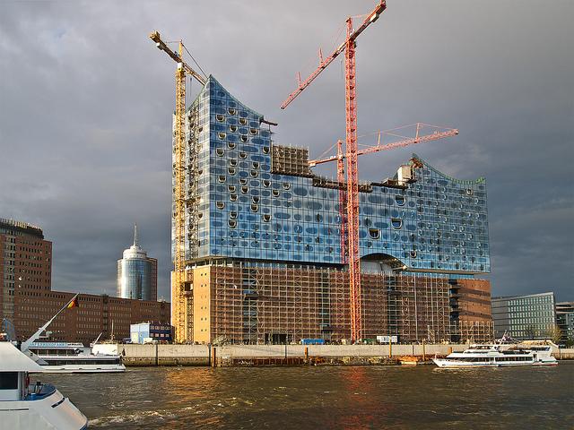 Olympische Stätten als nächste Bauprojekte neben der Elbphilharmonie? Foto: flickr.com/Stadtlichtpunkte