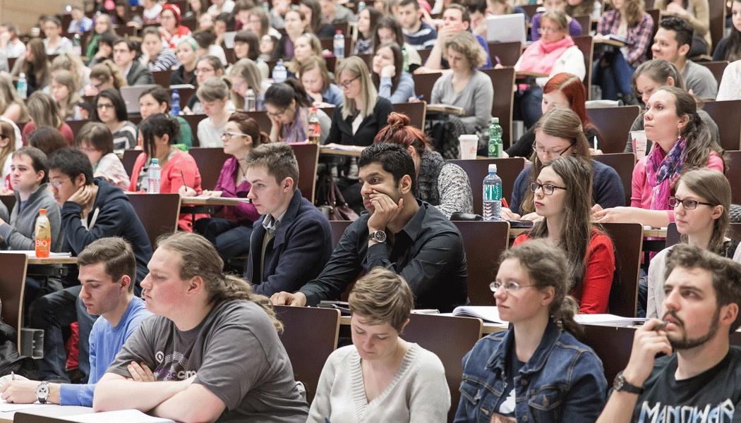In Nordrhein-Westfalen zittern tausend Lehramtstudierende vor der Zwangsexmatrikulation. Symbolbild. Foto: Universität Wien