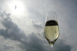 Ein Glas des goldenen Saftes Foto: Franziska Lehnert