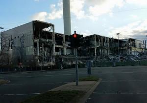 """Die teilweise schon abgerissenen Werkshallen sind für viele Bochumer ein Anblick des Grauens. (Bild: """"AR-Fotos""""/privat)"""