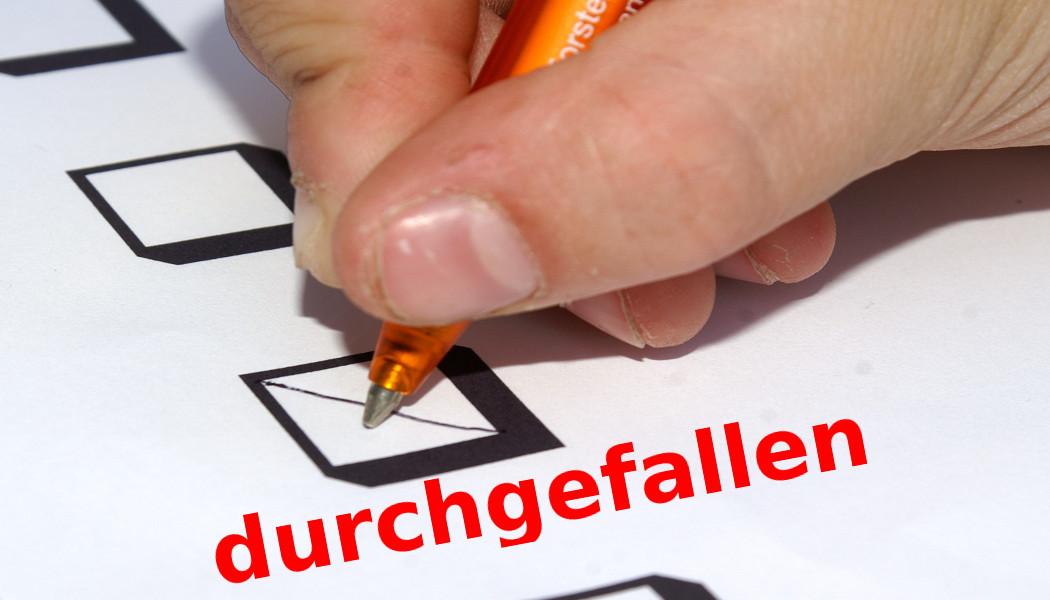 Für die vielen Durchgefallenen der Statistik-Klausur gilt die Prüfung jetzt wie nie geschrieben. Foto: S. Hofschlaeger/pixelio.de/pflichtlektüre