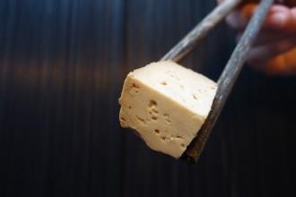 Tofu - Das asiatische Grundnahrungsmittel ist längst auch in Europa heimisch geworden. Foto: Franziska Lehnert