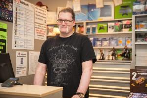 Franchise-Nehmer in einer Videothek in der Dortmunder Nordstadt: Marcus Kendziora. Foto: Judith Wiesrecker