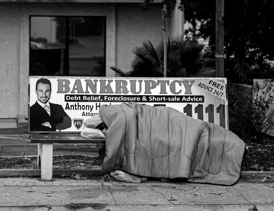 Nicht nur eine Privatinsolvenz kann schlimme Folgen haben. Von einer Staatspleite sind oft die Ärmsten zu erst betroffen. Foto: Robert Couse-Baker/flickr.com (CC BY 2.0)