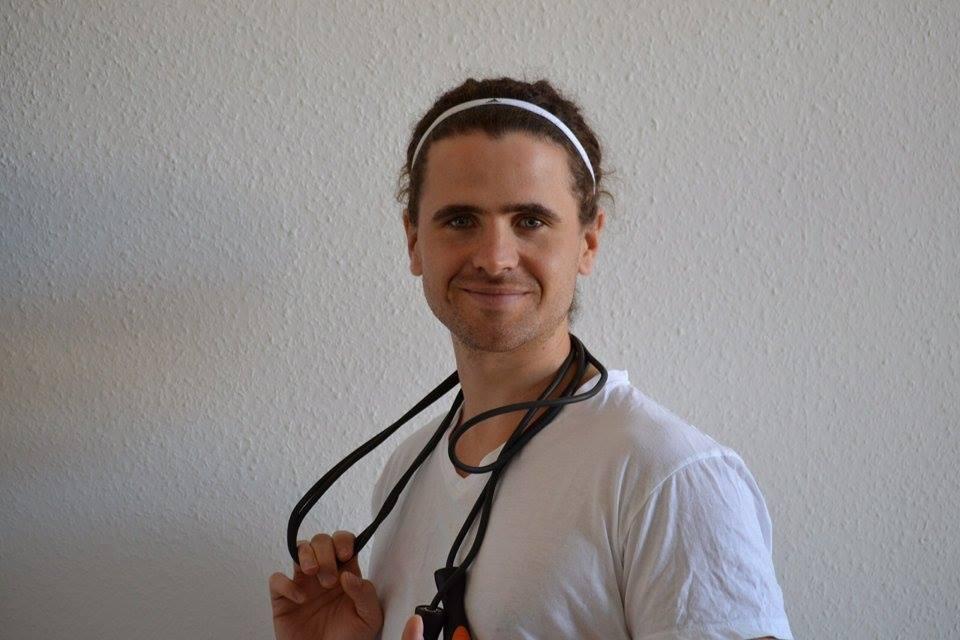 Der Sportstudent Jannis Selbach integriert seinen Berufswunsch in seinen Alltag indem er als Trainer arbeitet und Sportprojekte leitet.