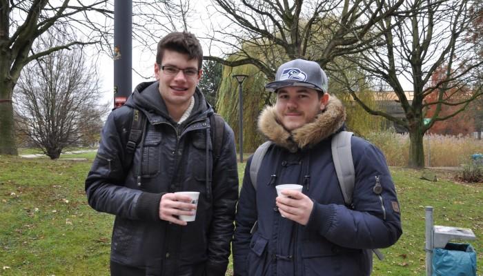 """""""Alkohol auf dem Campus ist unzulässig? Na dann: Prost!"""" – Jan-Lukas und Niklas, Maschinenbaustudenten"""
