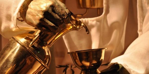 """""""Die Automatische Dienerin"""" ist schon über 2000 Jahre alt. Über einen Wassermechanismus kann sie selbst Becher füllen. Foto: Kira Schacht"""