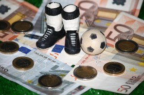 Streit um TV-Gelder: Chance für den Volkssport Fußball