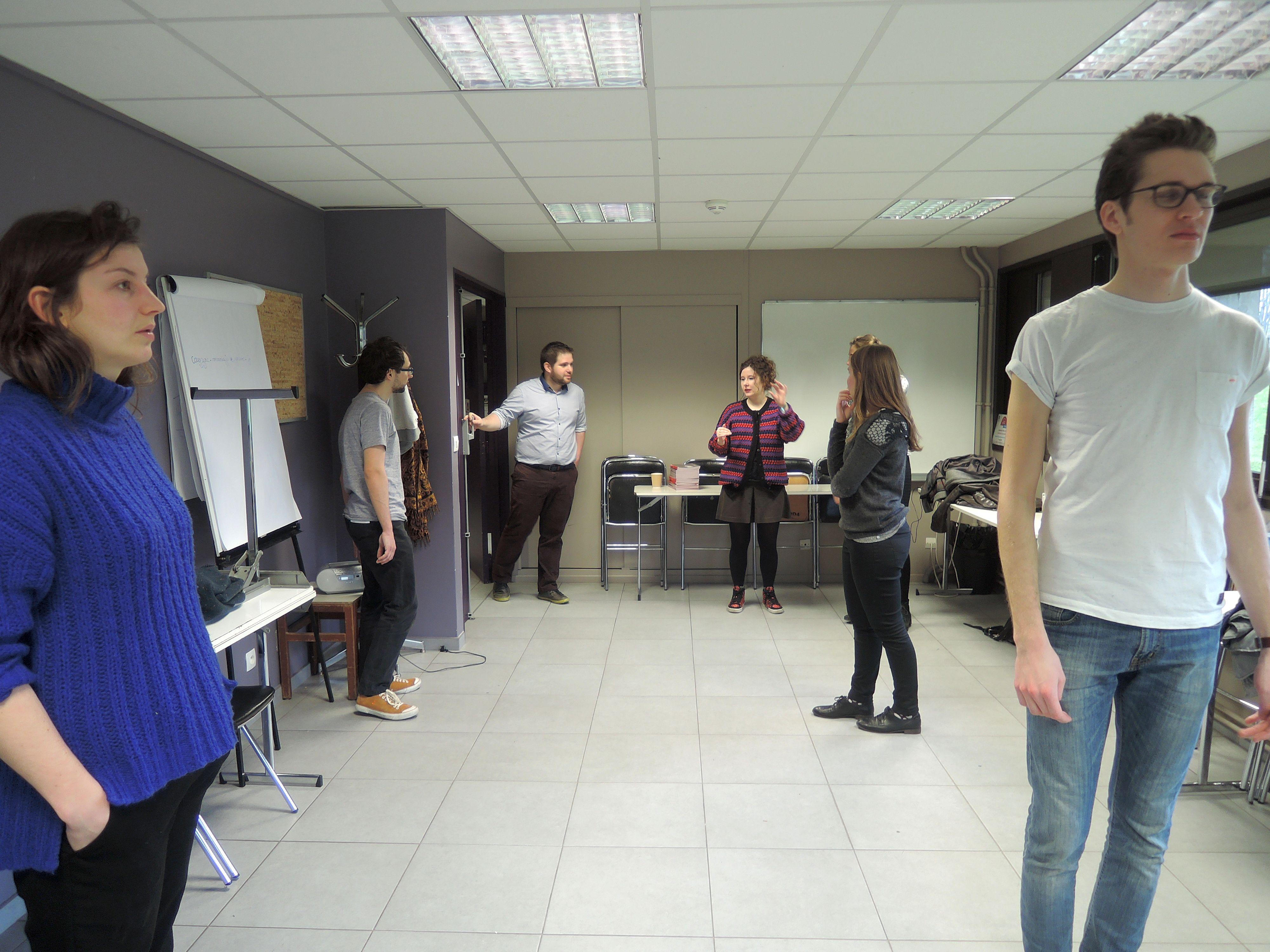 YPALs bei der Arbeit: Performanceworkshop zum Stück Vania (Foto: Hannah Lidolt)