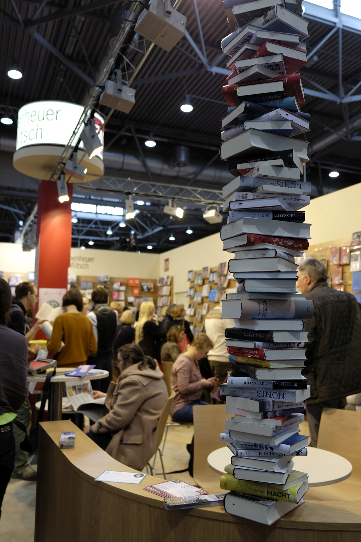 Ein Selbstverleger muss alle Aufgaben eines Verlags selbst übernehmen. Foto: Johanna Mack
