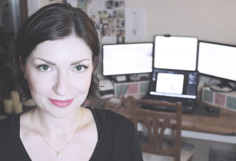 """Laura Newman lebt ihren Truam: Sie ist Autorin, aber auch Verlegerinund """"Kreativ-Junkie"""". Foto: www.lauranewman.de"""