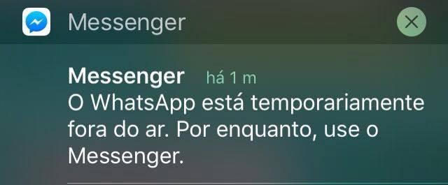 """""""WhatsApp ist vorübergehend außer Betrieb. In der Zwischenzeit kannst du den Messenger benutzen"""", steht hier auf portugiesisch.  Foto: Leonardo Rosa Nunes"""