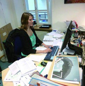 Conny Koob bei ihrer Arbeit im CAPE.