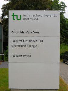 Der Ersatzneubau Chemie/Physik 1, direkt gegenüber dem Otto-Hahn-Parkplatz.