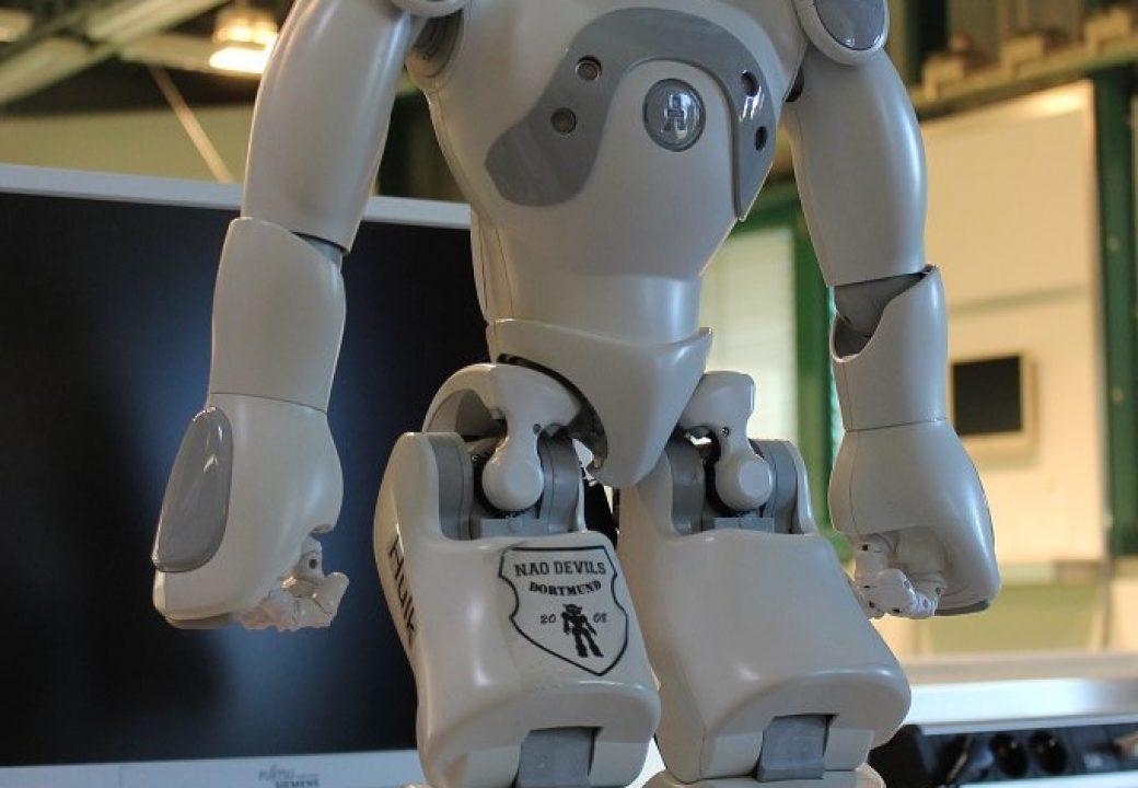 """Ausgestreckt ist der """"standard platform""""-Roboter 54,7 Zentimeter hoch."""
